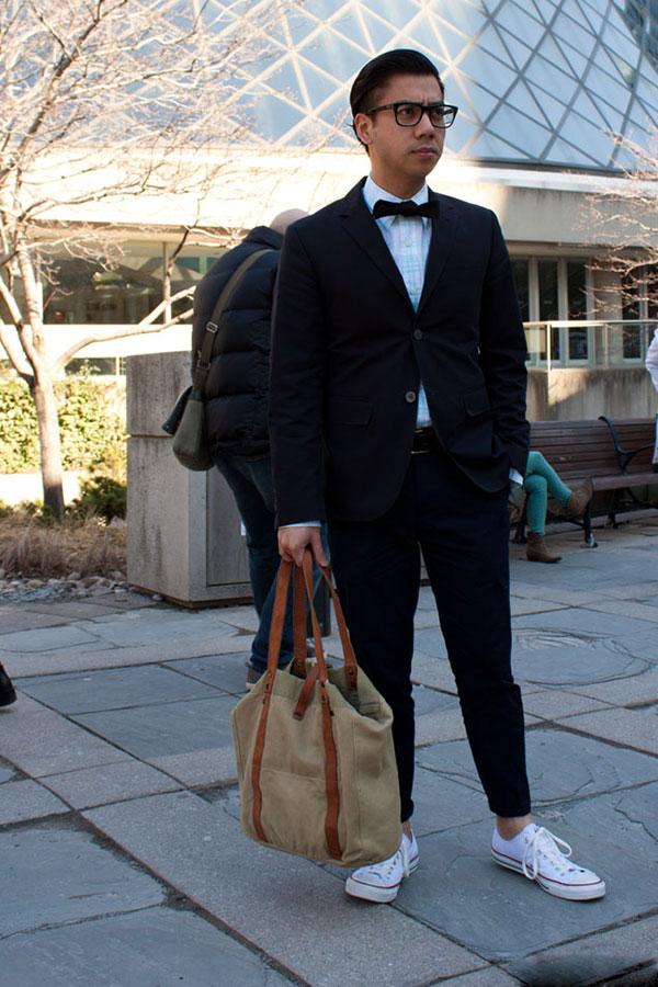 Mix giày converse nam với áo sơ mi và quần dài