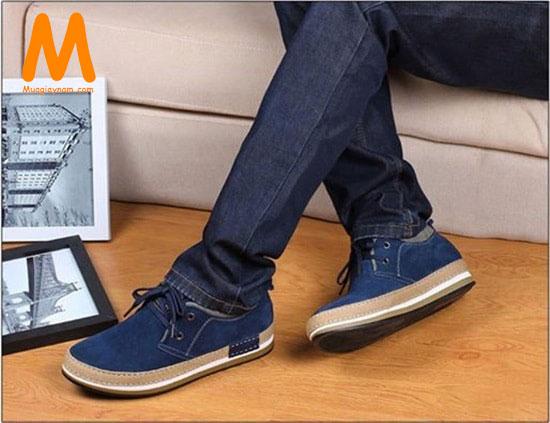 Phối giày thể thao với quần jean nam