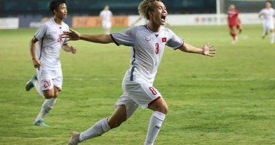 Văn toàn sử dụng đôi giày Nike trong trận đấu tứ kết Asiad với U23 Syria
