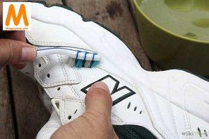 Cách vệ sinh giày Adidas