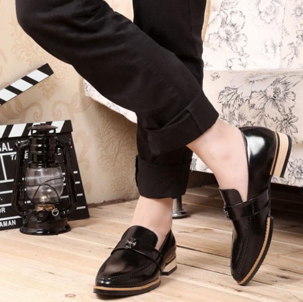 Kiểu giày nam phải phù hợp với quần áo
