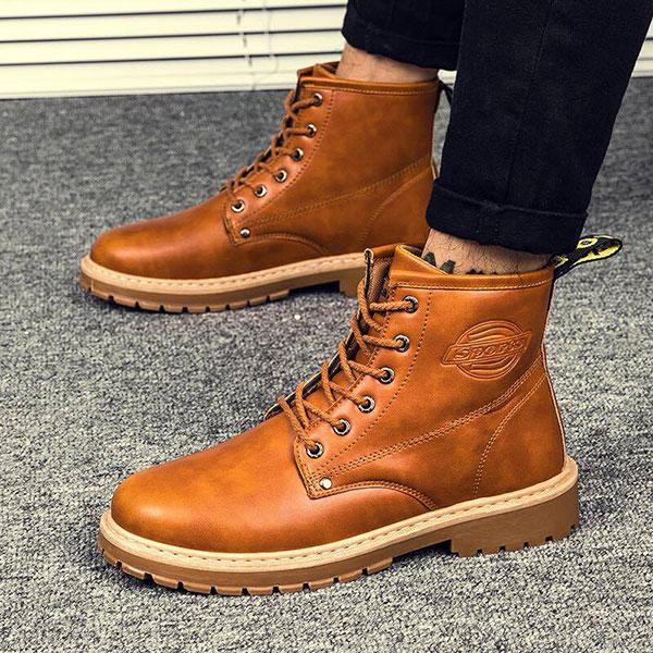 Người nam thấp nên tránh lựa chọn giày Boots, giày cao cổ
