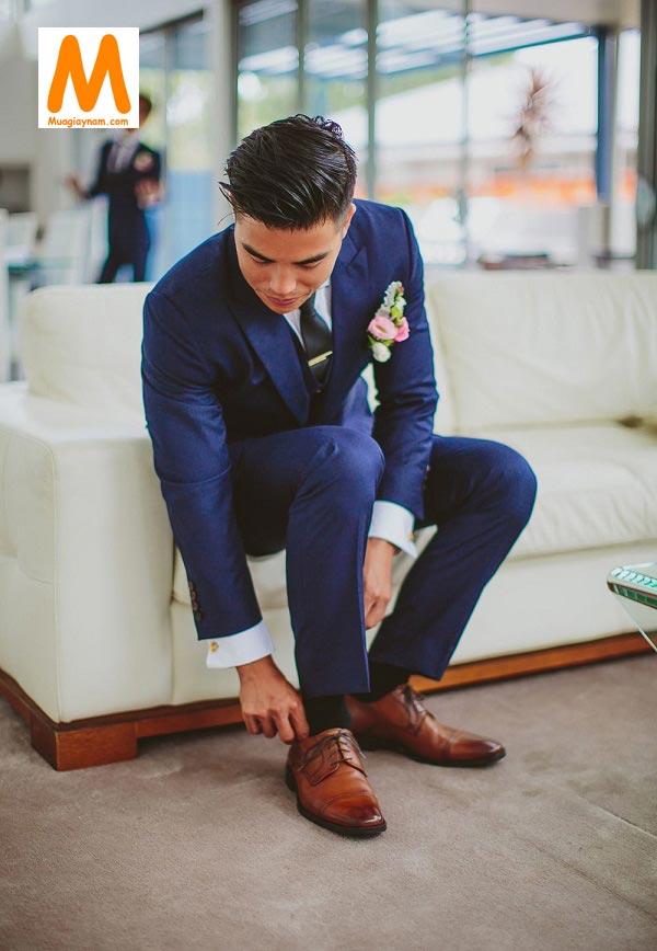 Giày cưới phai vừa chân chú rể