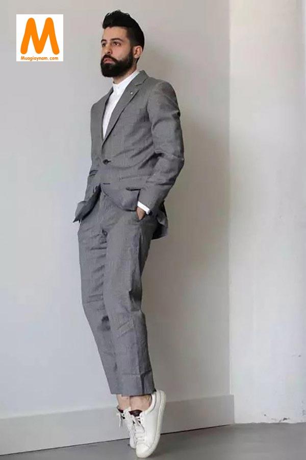 Suit và Sneaker hiện đại, lịch lãm